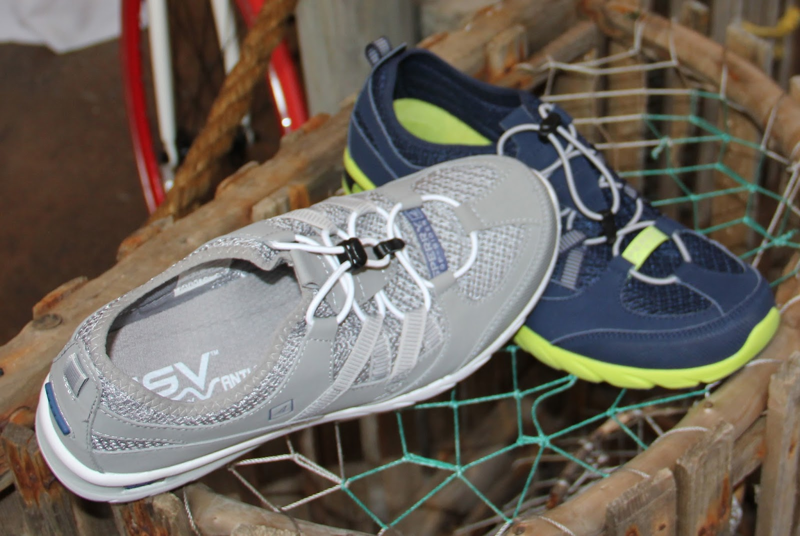 Another view of men's Shock Light Bungee w/ ASV Technology-in light grey-  dampens vibration+lessens shock in heel up to 40%, removable full length  footbed, ...