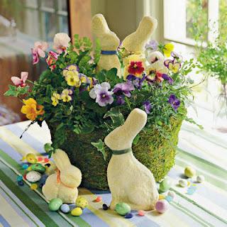 arranjo com flores e coelhos, coelhos, vaso de flor, decoração páscoa