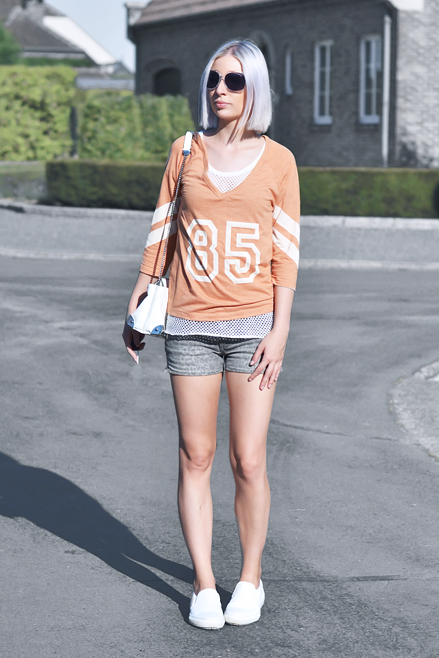Outfit, ootd, orange top, mesh top, leopard shorts, mango, h&m, nelly, zara slipons, white, oversized sunglasses, street style, summer, 2015, inspiration