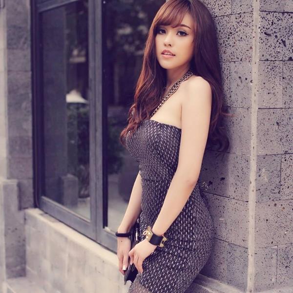 5 hot girls bán hàng online nổi tiếng và siêu gợi cảm 11