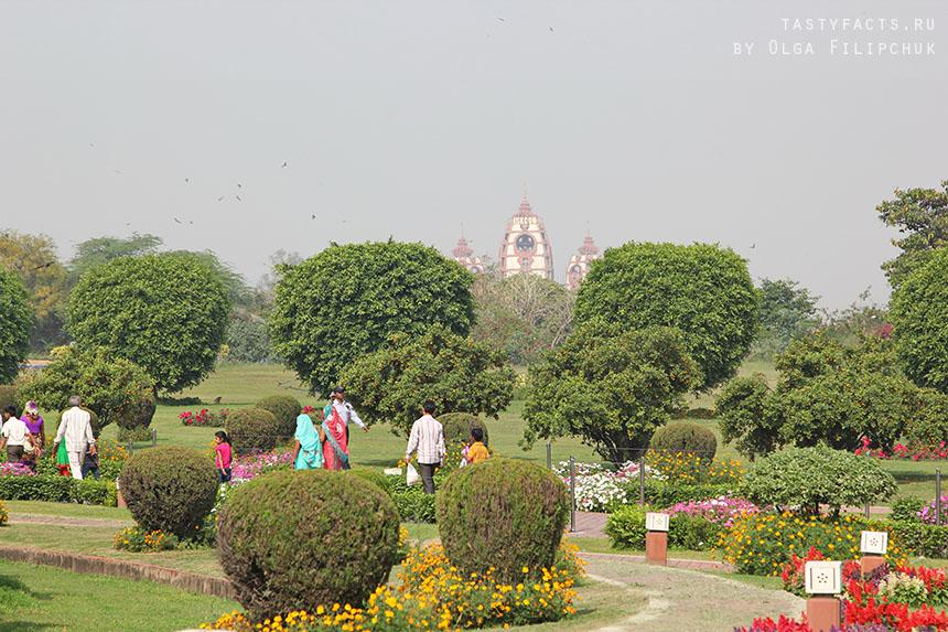 храм Ра́дхи-Партхаса́ратхи