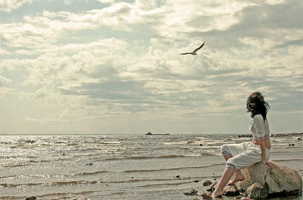 突然变的如此冷漠。我却不敢把话问出口,因为我怕等待我的是失望与心酸。Suddenly you become so cold. I never dared to asked you, because I am afraid what is waiting is disappointment and sadness.
