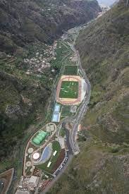 Madeira luxos obras buraco