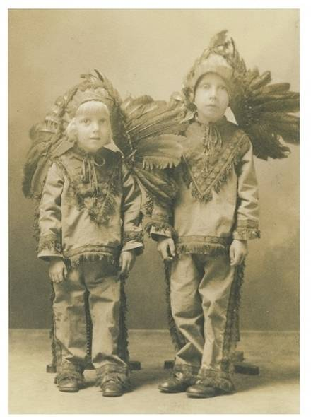 creepy vintage halloween costumes from 1800 1959 vintage everyday - Halloween Costumes 1900
