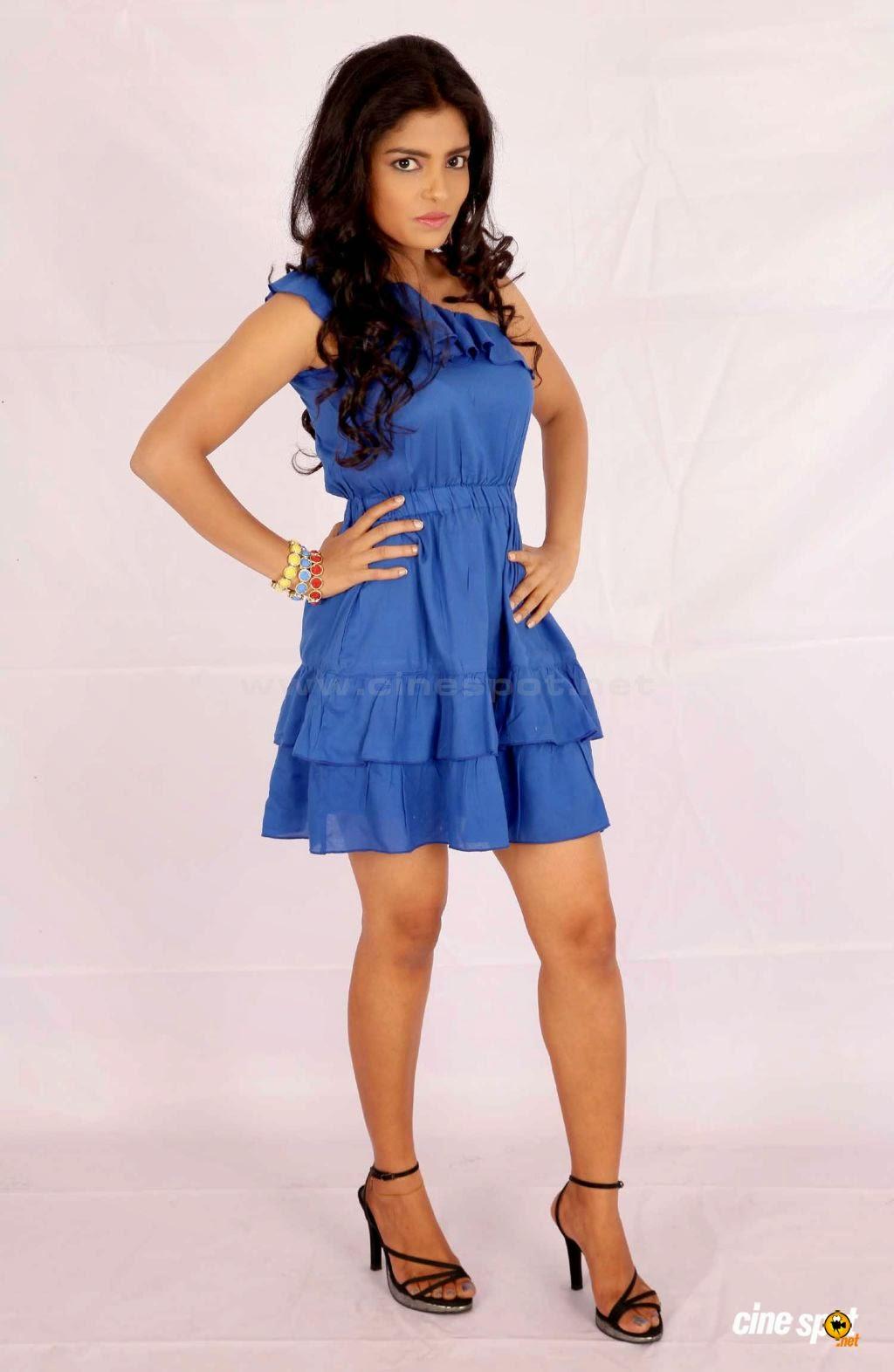 Janavi blue thighs