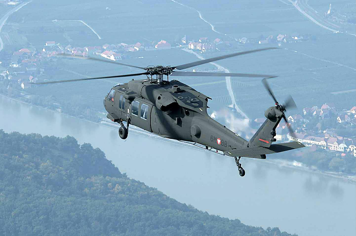 blackhawk helicopter - photo #9