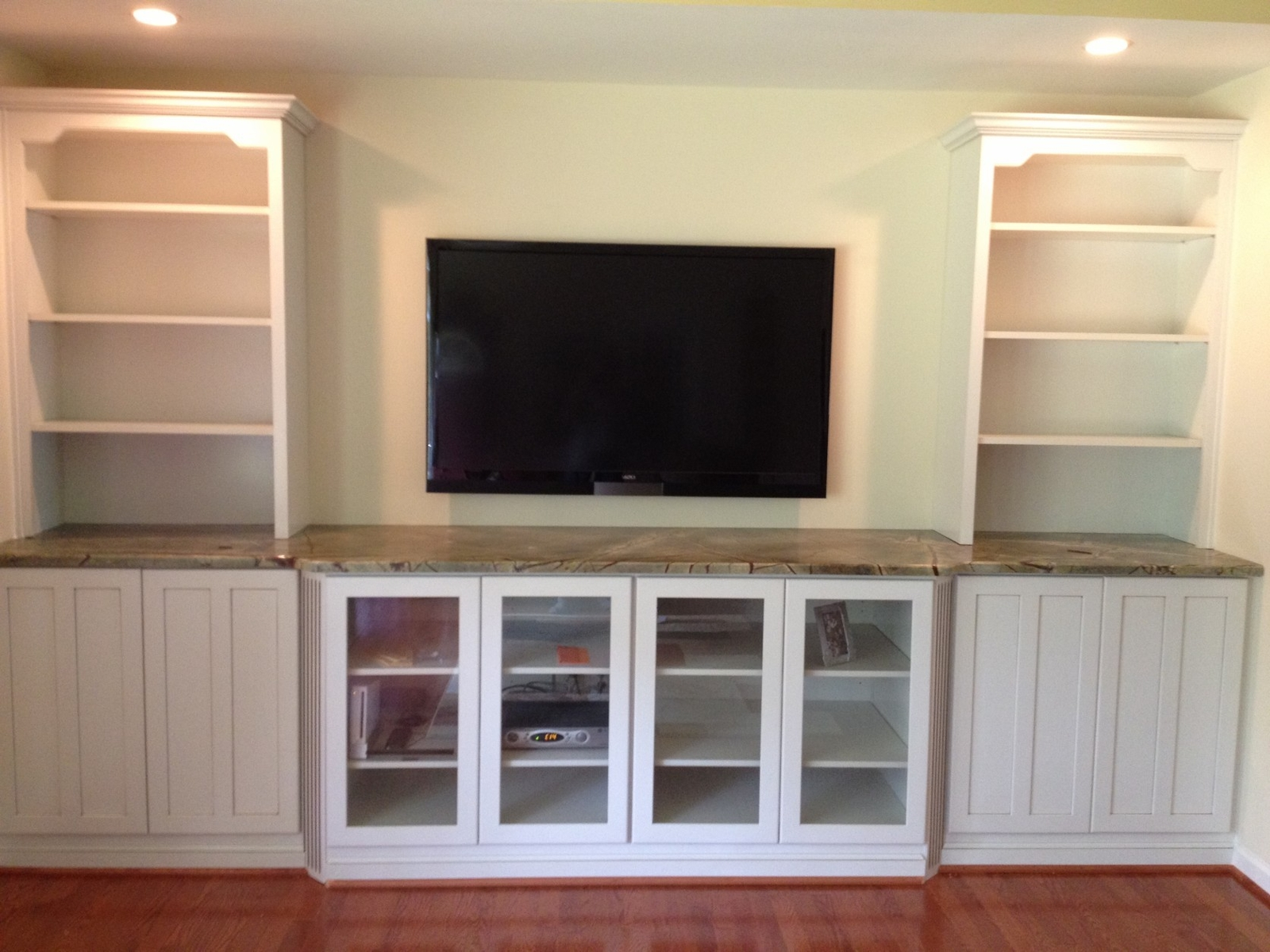 20 Remodeling TV Wall Units