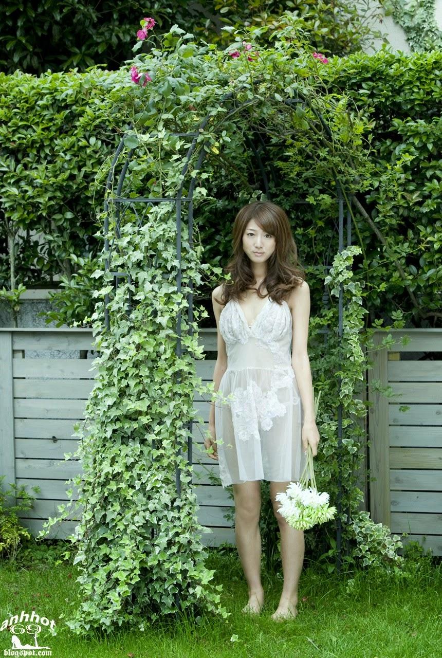 moyoko-sasaki-01425834