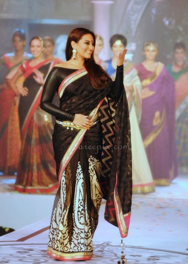 Sonakshi-sinha-Rajguru-black-designer-saree