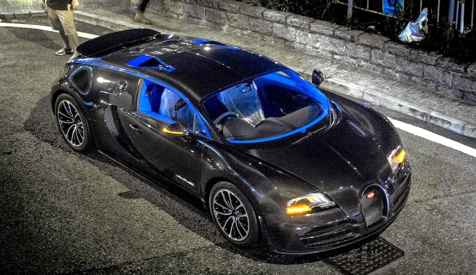 bugatti veyron super sport merveilleux edition concept. Black Bedroom Furniture Sets. Home Design Ideas