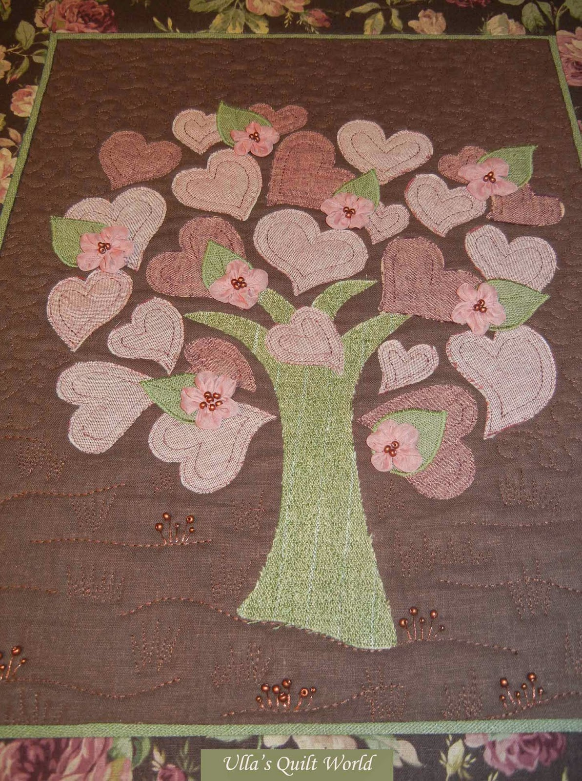 Wall Hanging Quilts ulla's quilt world: quilted tree wall hanging with hearts
