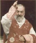 """""""Que o Coração de Jesus seja seu sustento e conforto em todas as tribulações."""" - Padre Pio"""