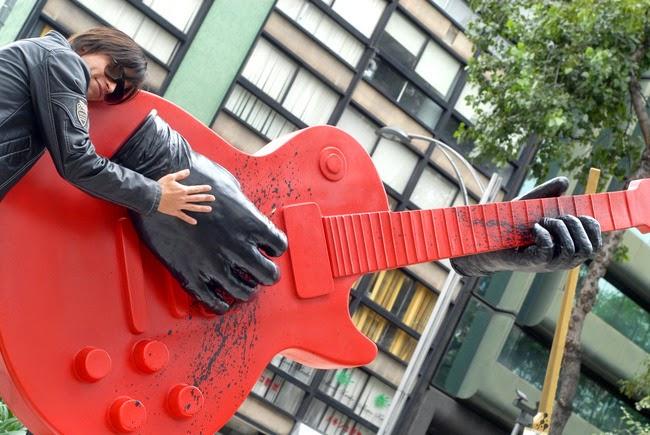 Invaden Guitarras al Paseo de la Reforma