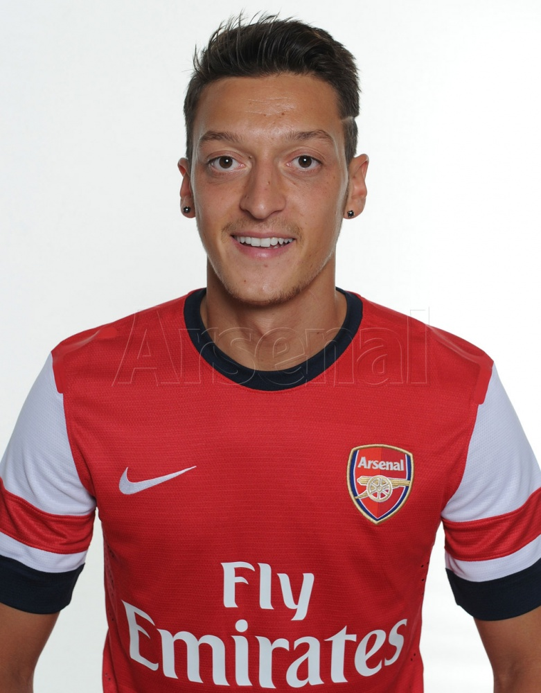 Mesut Ozil Arsenal HD Wallpaper 2013