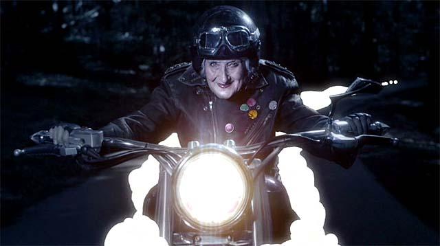 Anciana motorista