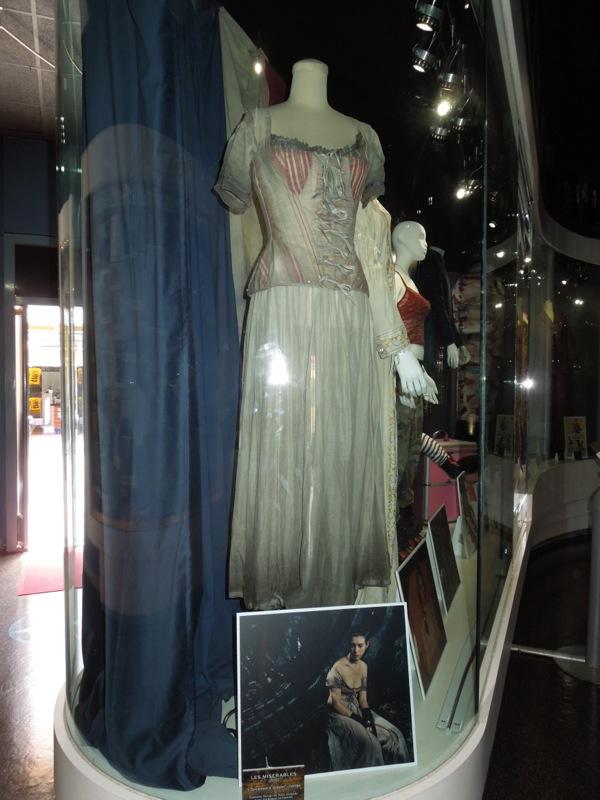 Anne Hathaway Les Misérables Fantine costume