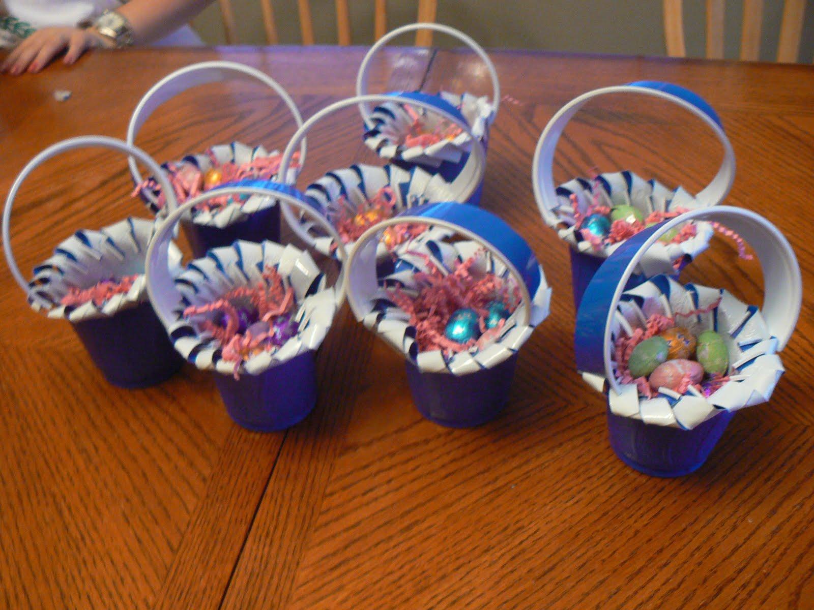 Поделки с пластикового стаканчика