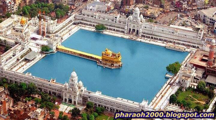 معبد أمريتسار الذهبي ، الهند