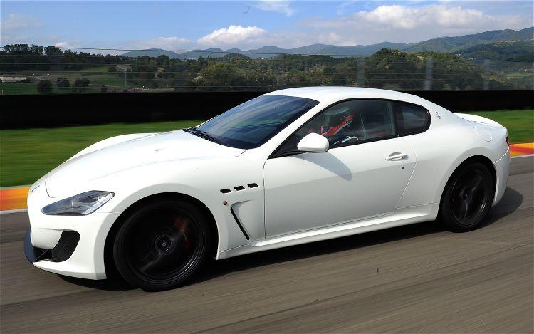 http://2.bp.blogspot.com/-CZi81gU_2mI/TblNWo3UMlI/AAAAAAAAAuA/QecnC2f1qK0/s1600/2012-maserati-granTurismo-MC-drivers-side-in-motion.jpg