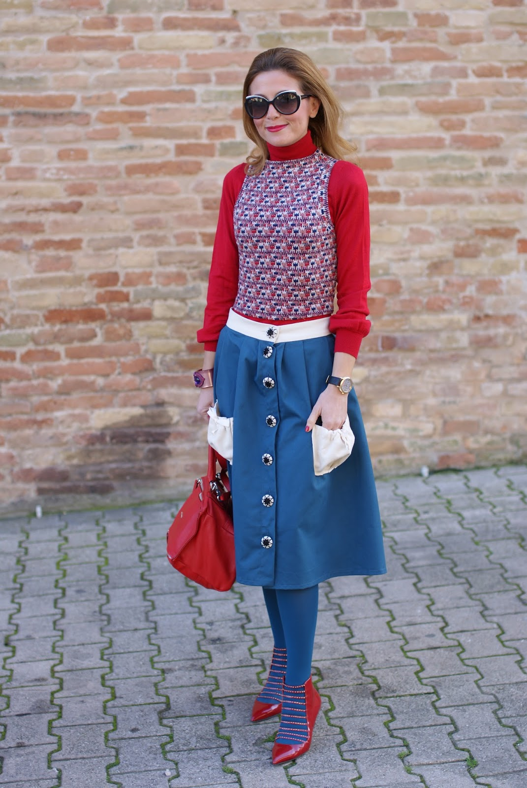 Opposés Complémentaires buttoned midi skirt, Le Silla heels and Gioya Bijoux bracelet on Fashion and Cookies fashion blog, fashion blogger style
