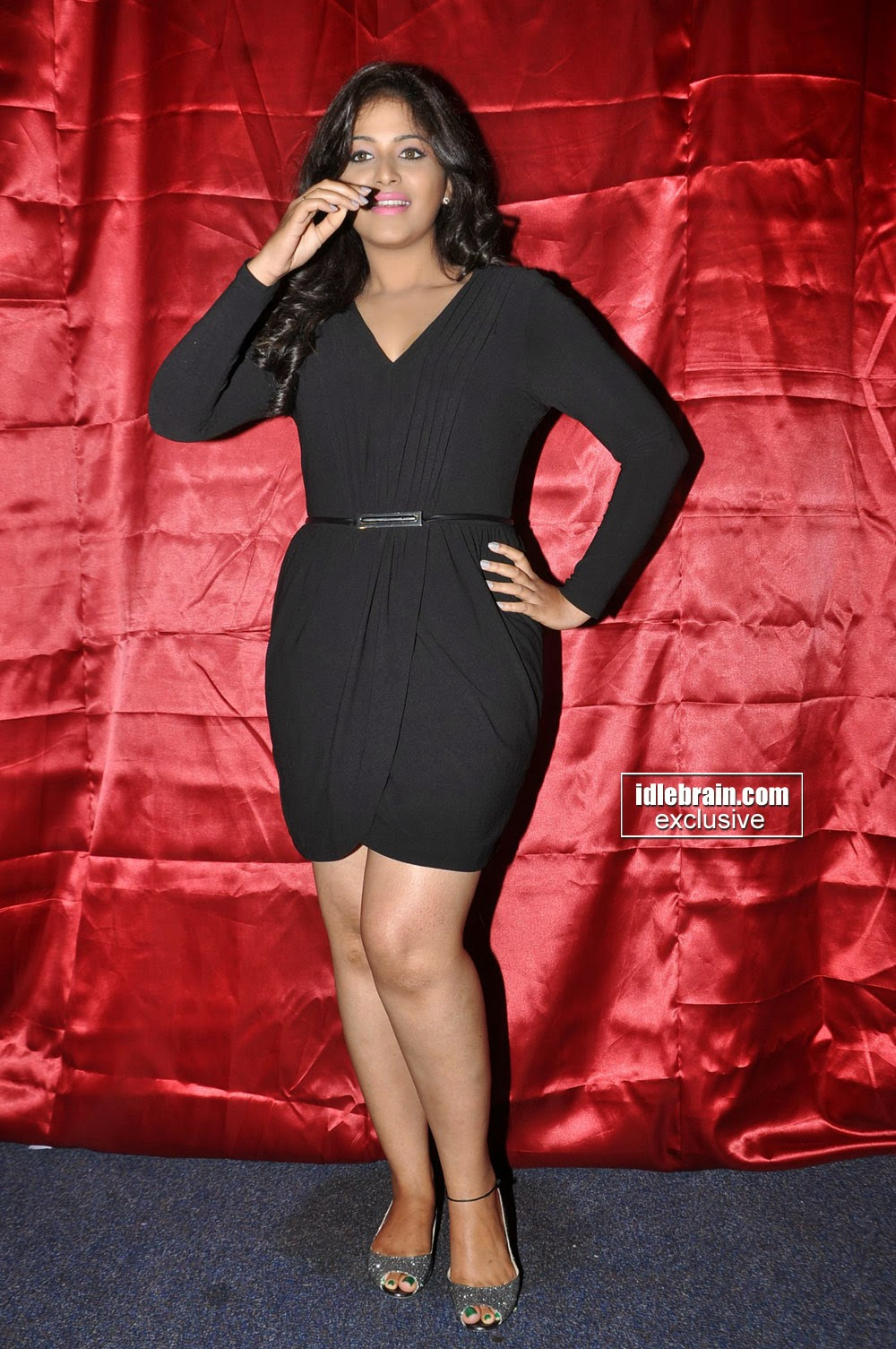 Anjali black hot