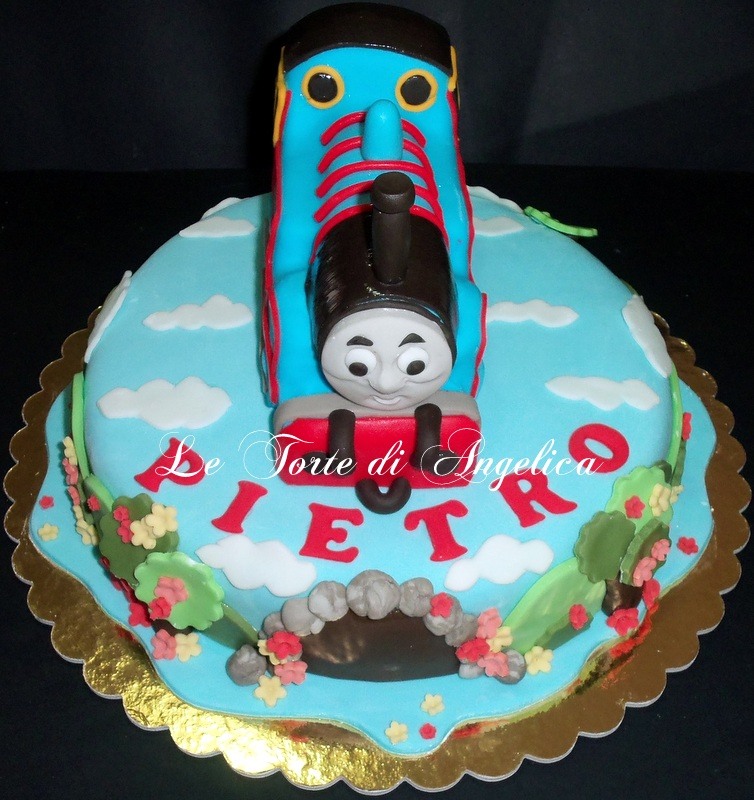 Emozioni in torte le torte di angelica trenino thomas for Decorazioni torte trenino thomas