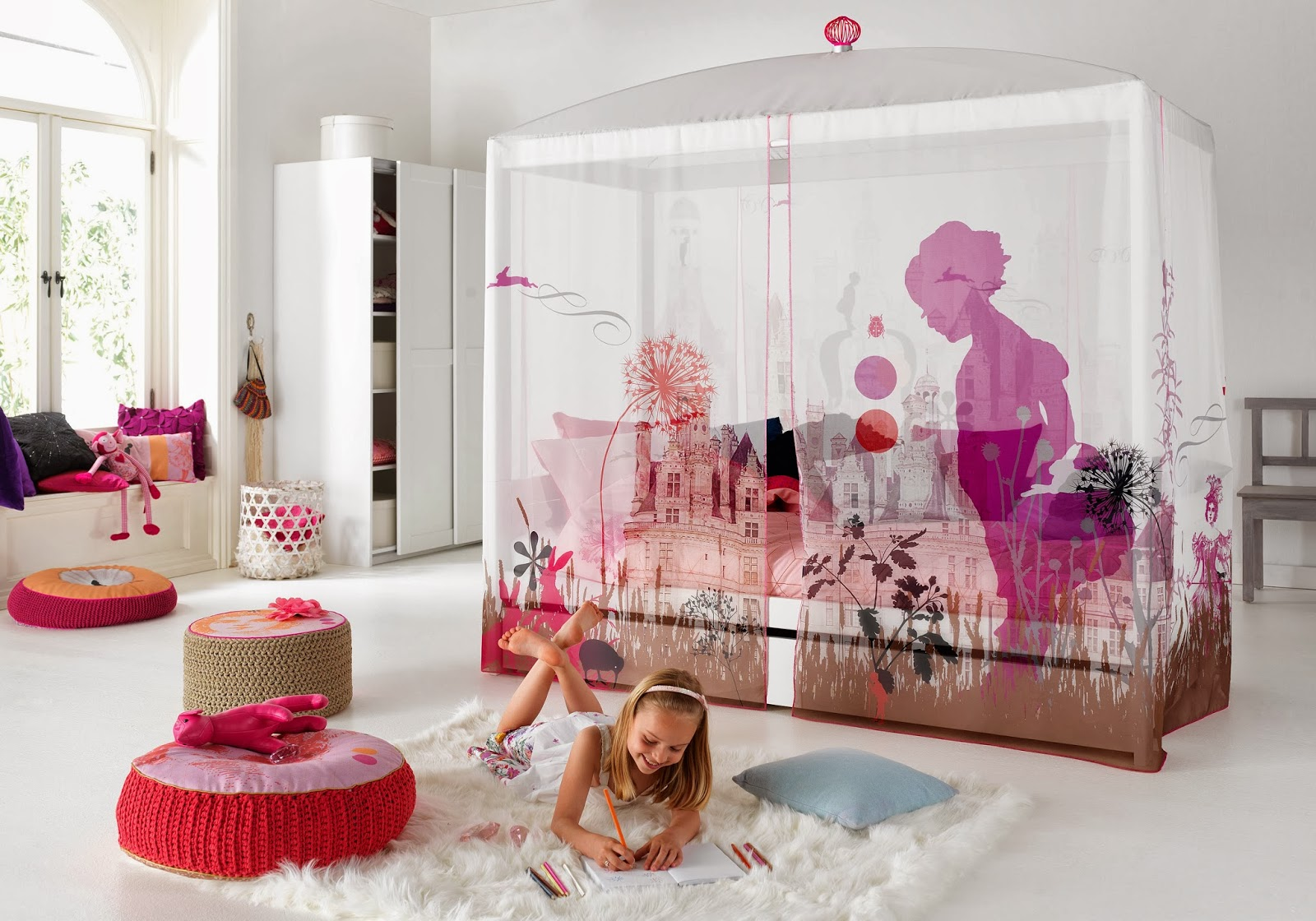 http://www.portobellostreet.es/mueble/27816/Cama-Infantil-Wonderland