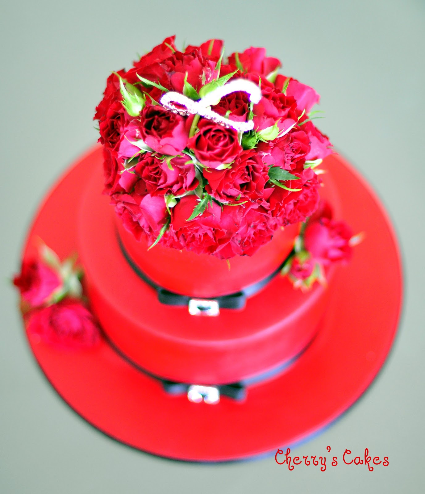 Cherry's Cakes: Red Roses