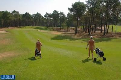 Inaugurado 1º campo de golfe para nudistas