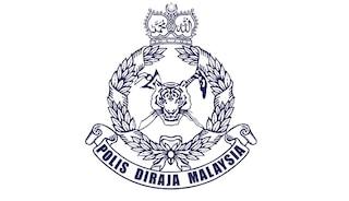 40 serang polis