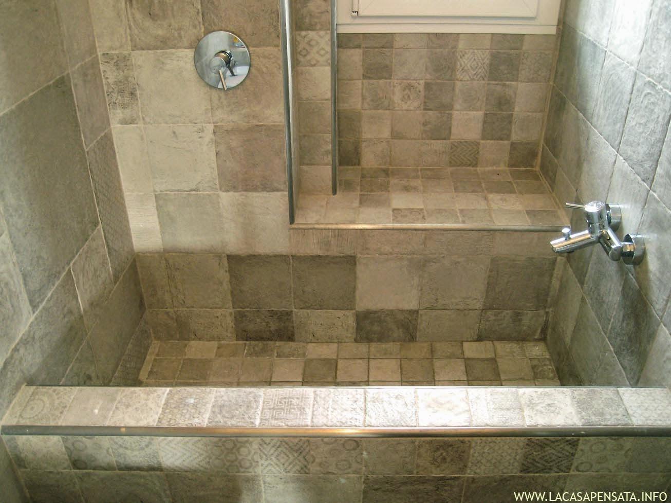 Bagno moderno mosaico bagni moderni mosaico azzurri cerca - Mosaico grigio bagno ...