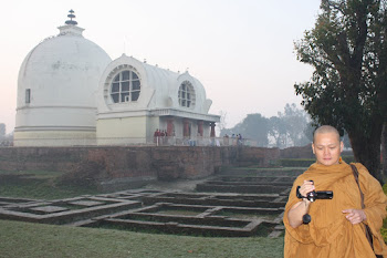 Gambar Bhante Candasilo Thera di Kushinagar