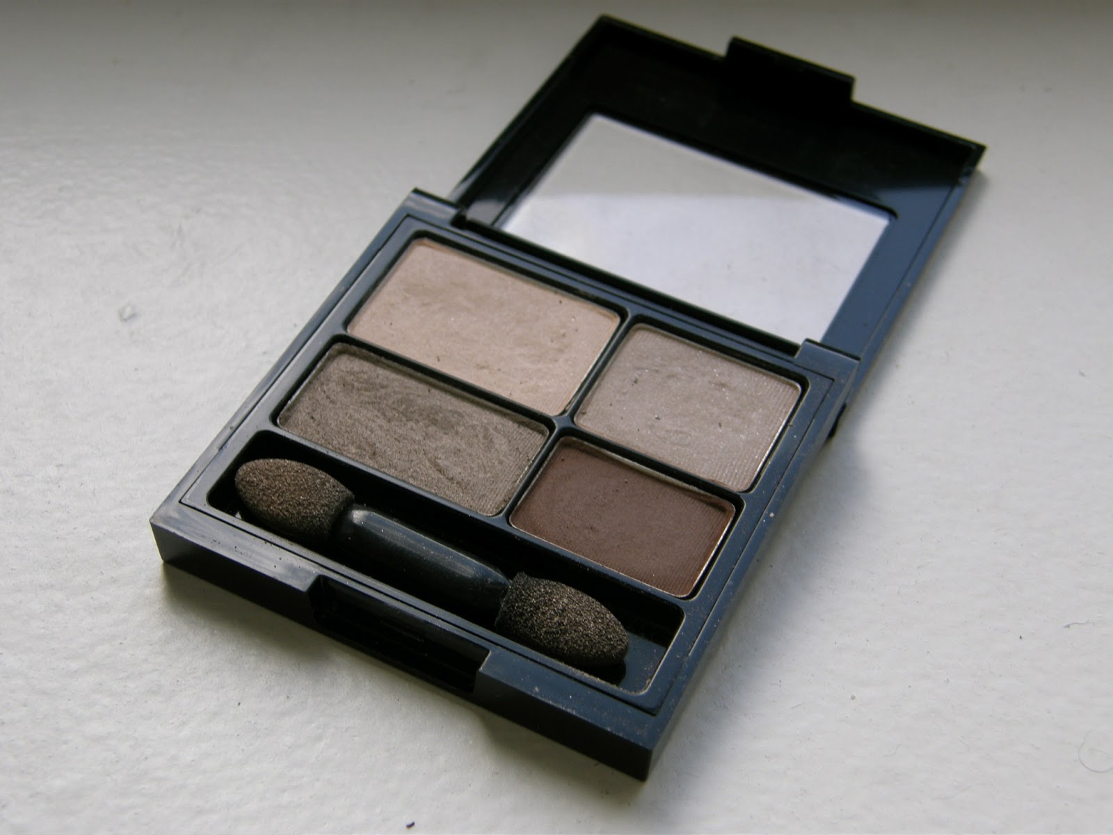Thrift thick revlon colorstay 16 hour eye shadow quad addictive revlon colorstay 16 hour eye shadow quad addictive swatches review ccuart Images