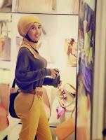 Foto Hot Jilboobs, Wanita cewek Berjilbab cantik seksi umbar aurat