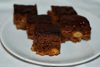 http://bitter-sweet-bakery.blogspot.co.uk/2013/11/apple-gingerbread.html