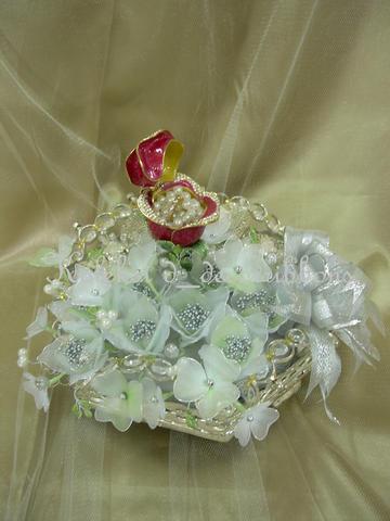 Ema Touch: koleksi gubahan bunga stoking untuk dulang hantaran.