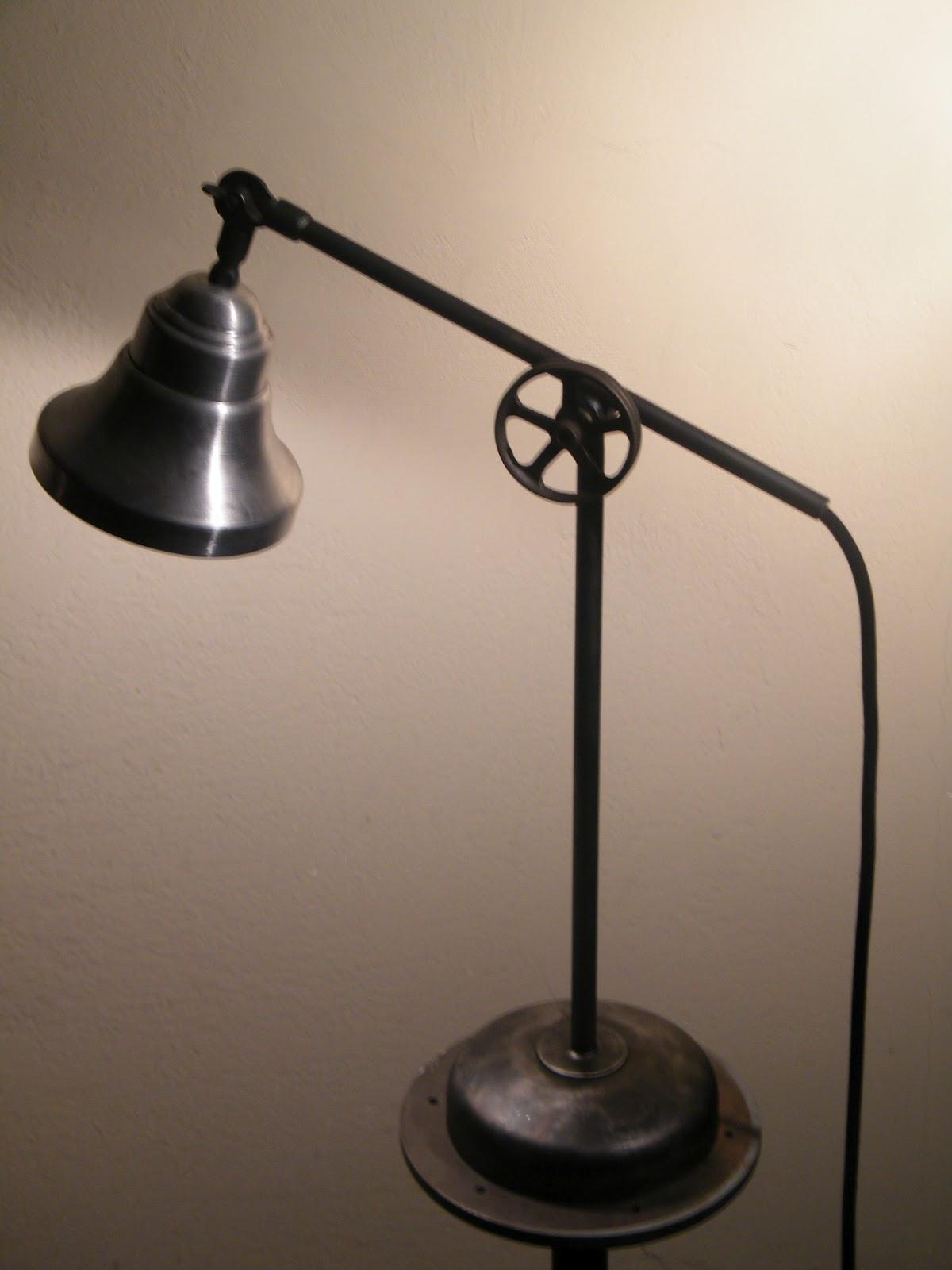 arteferrum industrial samostoje e lampe free standing lamps. Black Bedroom Furniture Sets. Home Design Ideas