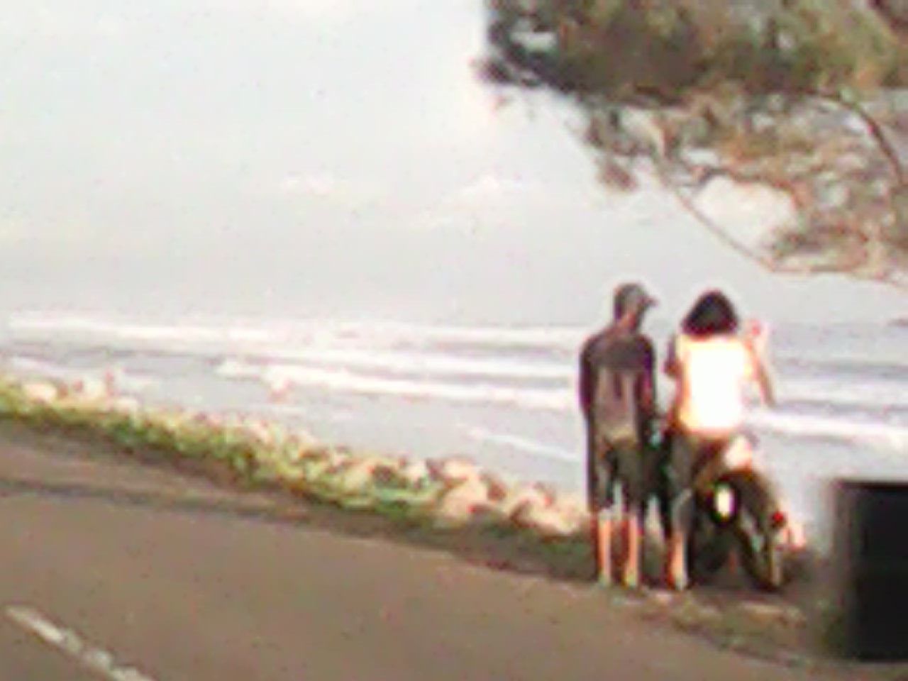 Pantai Abrasi Muko-muko Bengkulu