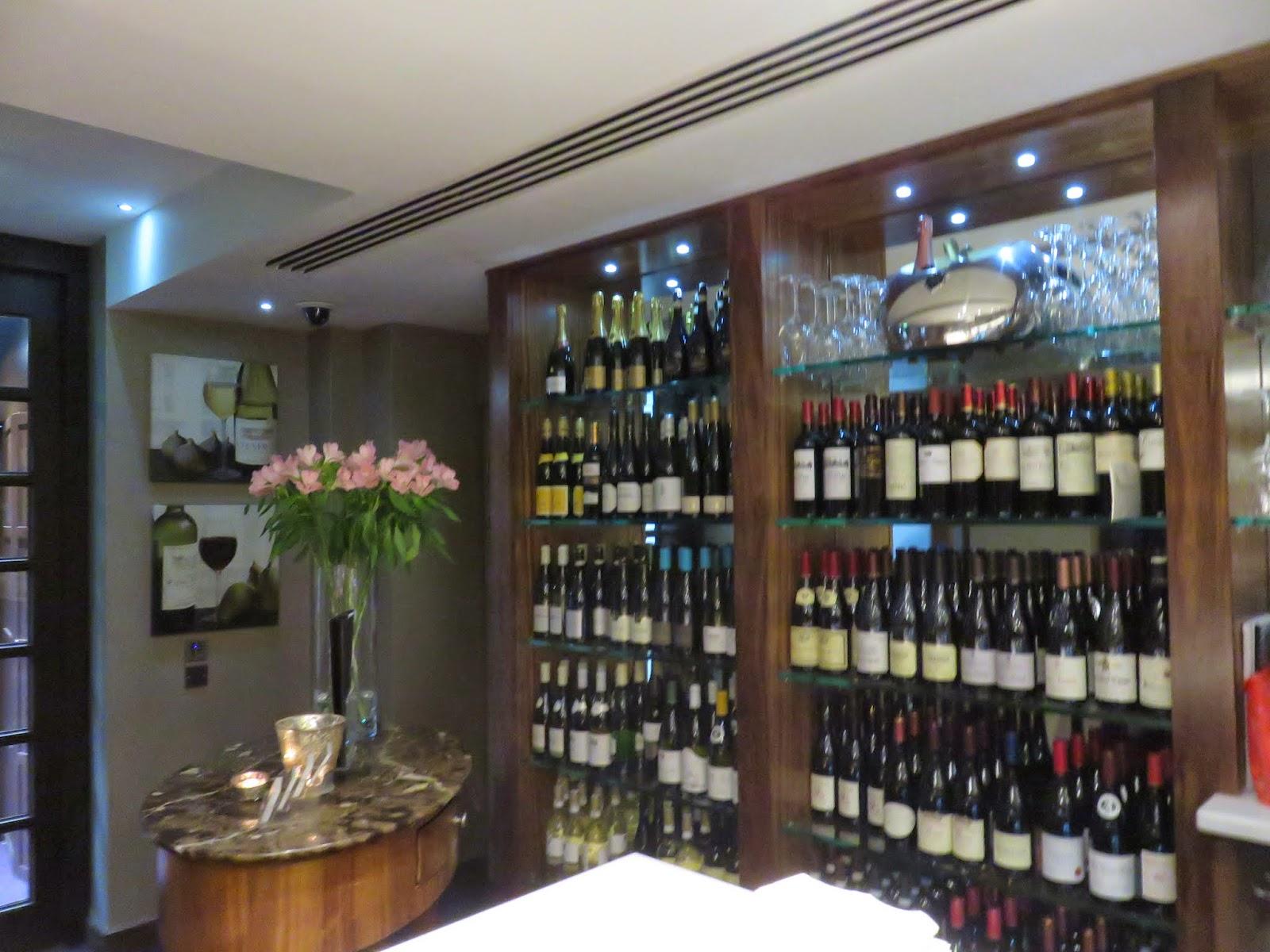 Inside Brasserie Le Pont in Dublin