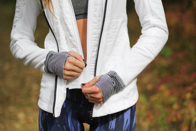 lululemon painted-animal-meshed-up-tight fleecy-keen-jacket