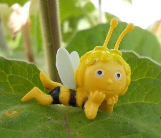 figurita de la abeja Maya