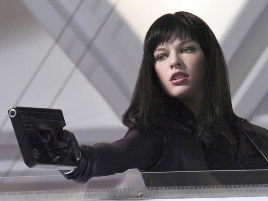 Milla Jovovich Hot Pic... Milla Jovovich Photos