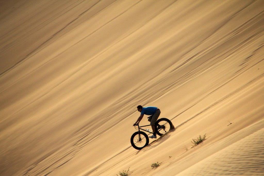 Fat bikes und grosse Dünen in Dubai - ein Offroad Trip der anderen Art!
