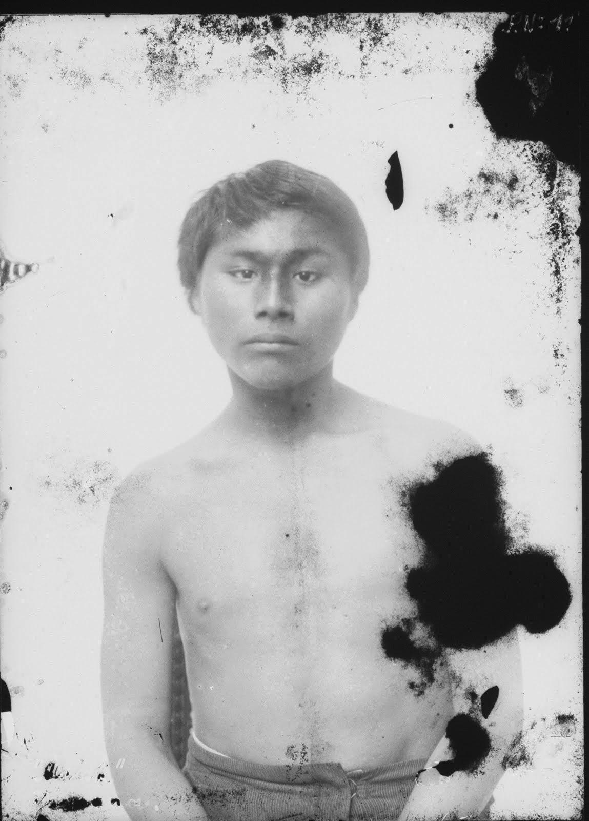 """""""Maish Kensis"""" muere prisionero en el Museo de La Plata en septiembre de 1894."""