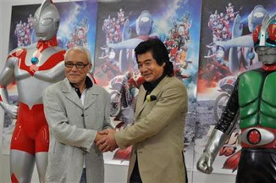 Sussumu Kurobe (Hayata) e Hiroshi Fujioka (Takeshi Hongo) em 2011
