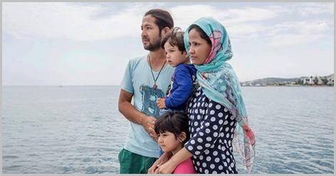 Ατενίζοντας το μέλλον τους.... αφήνοντας πίσω τους μια πατρίδα στα συντρίμμια...