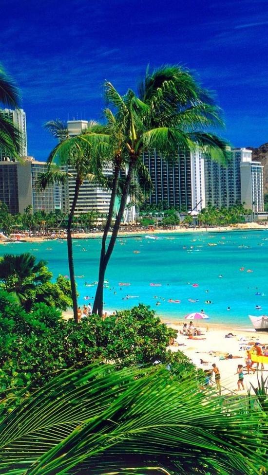 Waikiki Beach, Oʻahu, Hawaii.