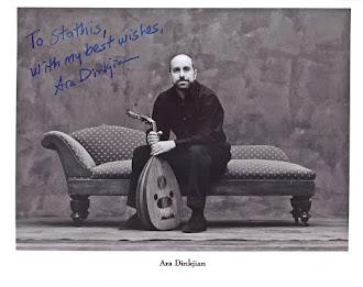 "Ara Dinkjian :  δεξιοτέχνης  οργανοπαίκτης , συνθέτης  και δημιουργός των ονειρικών ""Night Ark"""