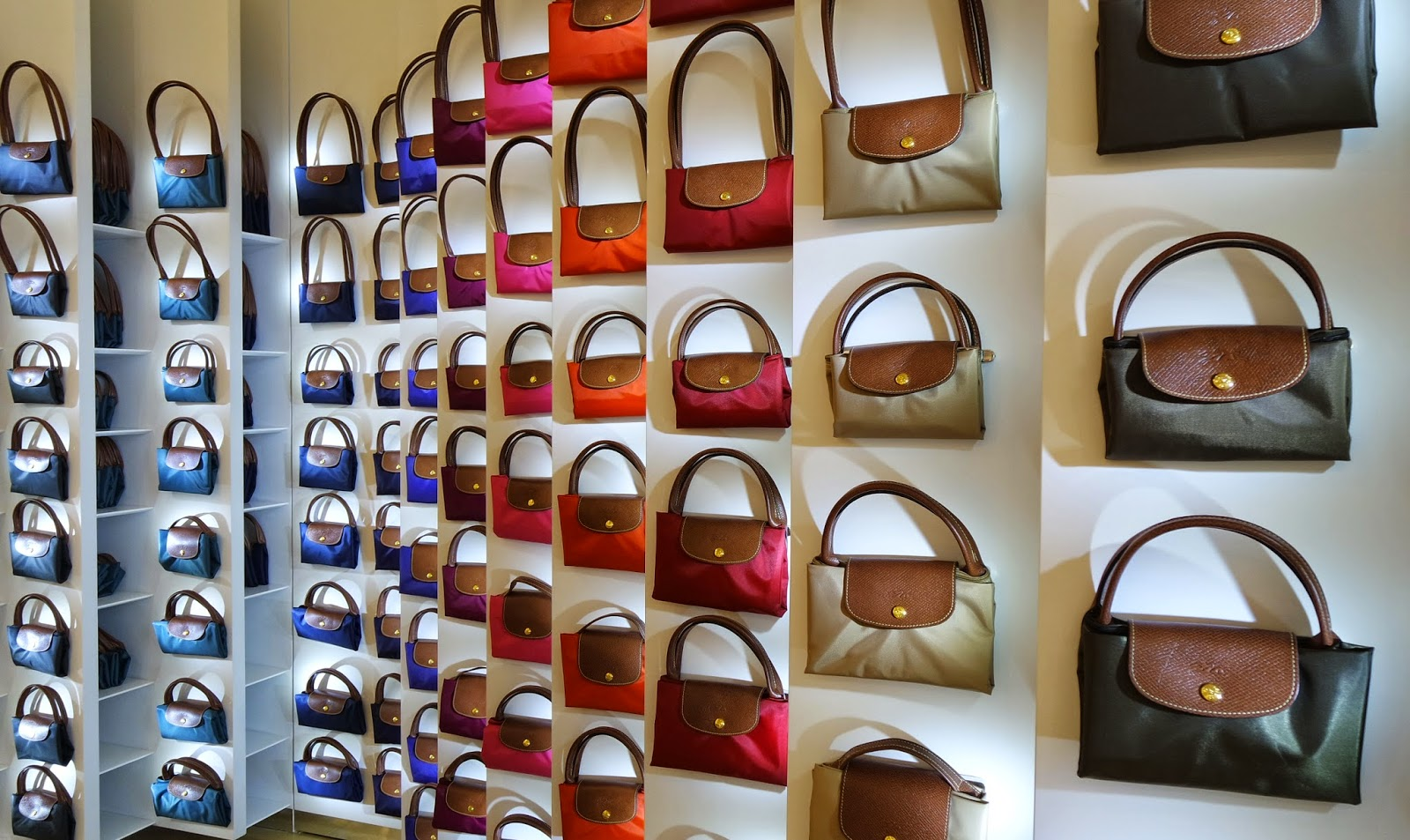 Watch Why Longchamps Personalisation Service Is For You video