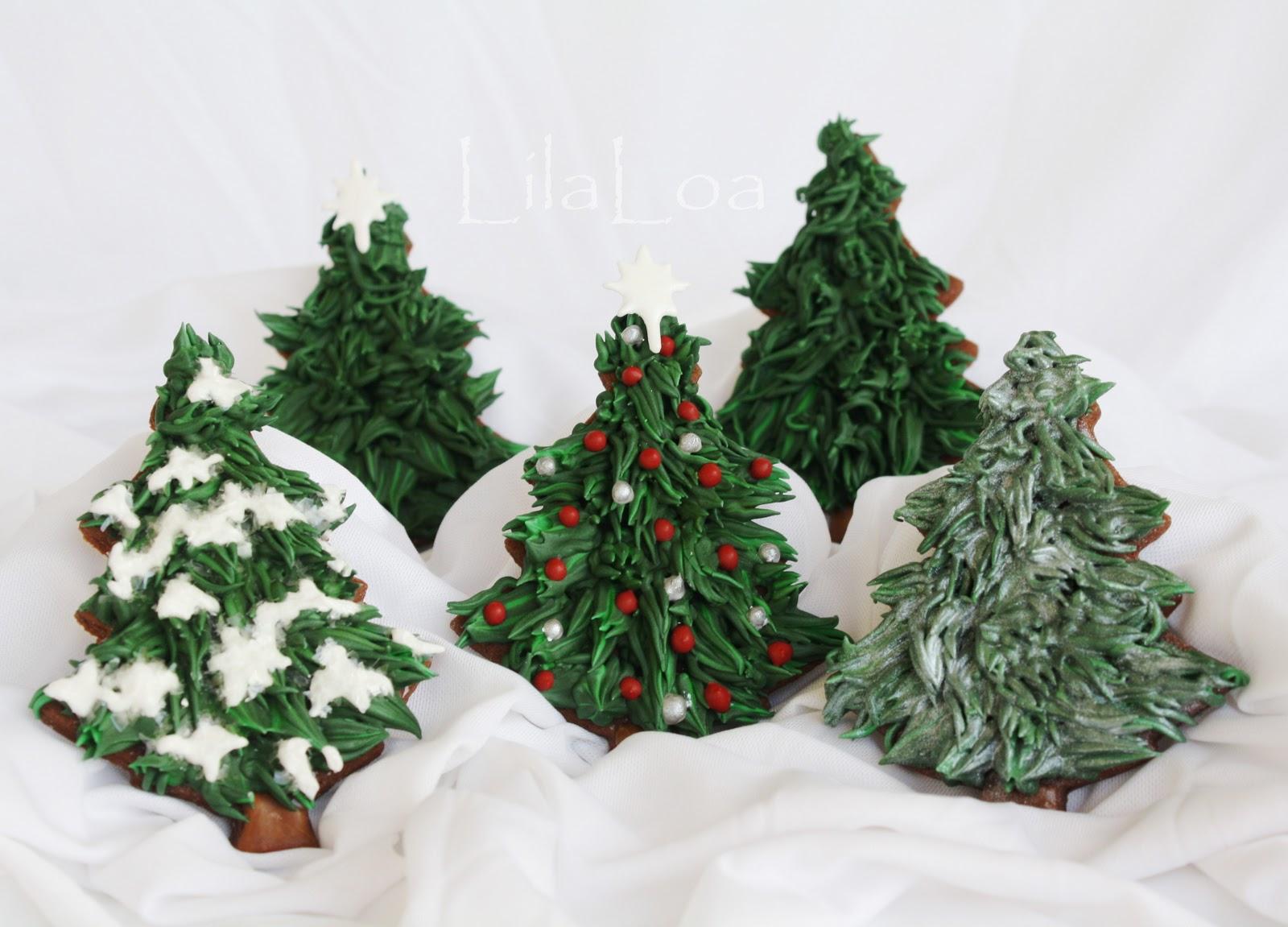 Christmas Trees on the Traditional Side | LilaLoa ...